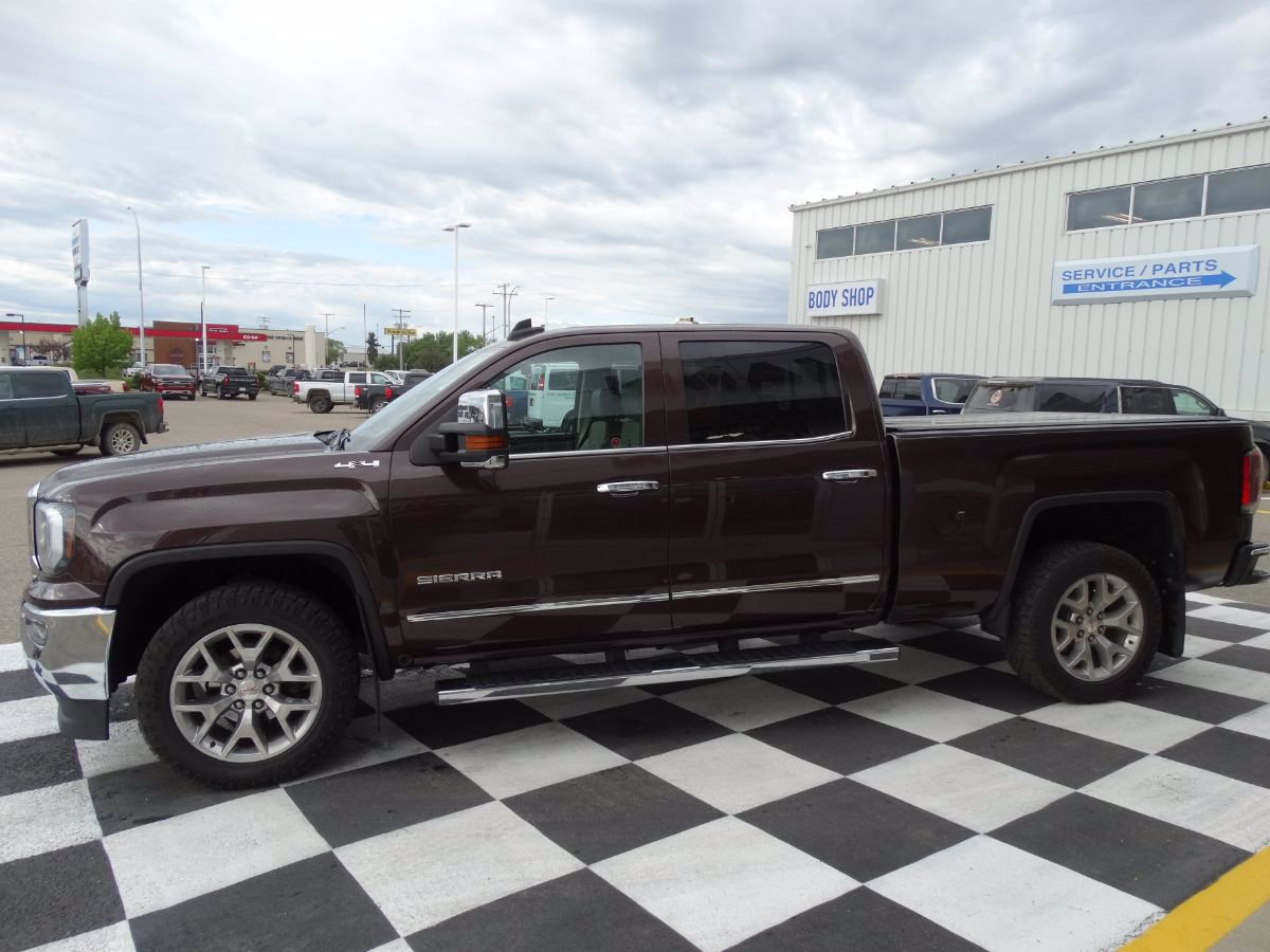 Certified Pre-Owned 2016 GMC Sierra 1500 SLT | Remote Start, Rear View Camera.