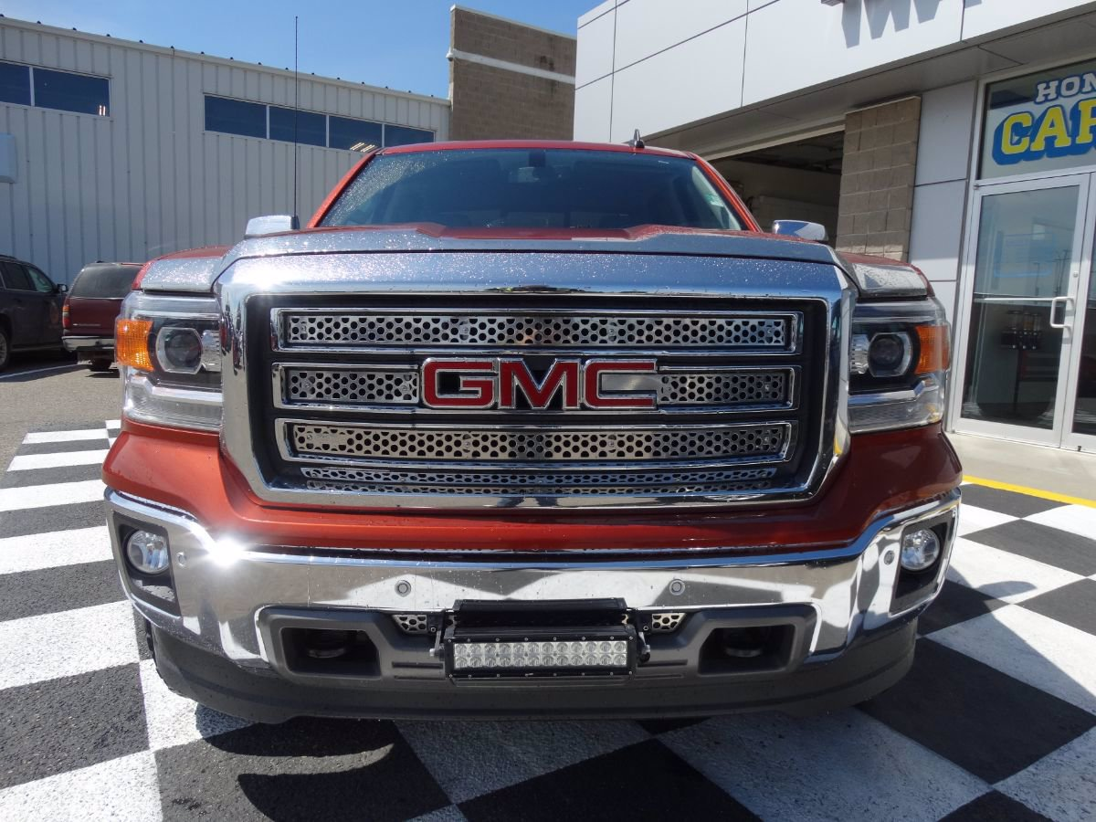 Certified Pre-Owned 2015 GMC Sierra 1500 SLT | Remote Start, One Owner.